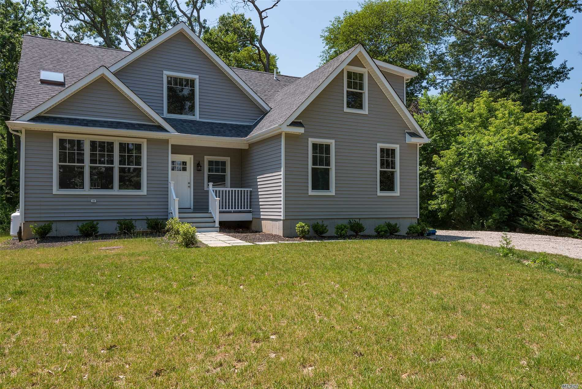 Photo of home for sale at 1070 Mill Creek Dr, Southold NY