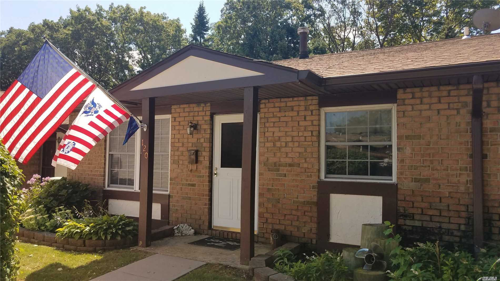 Property for sale at 120 Greenmeadow Dr, Deer Park,  NY 11729