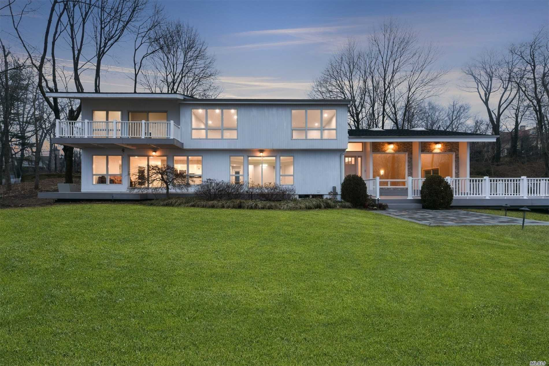 Photo of home for sale at 5 Lighthouse Rd, Sands Point NY