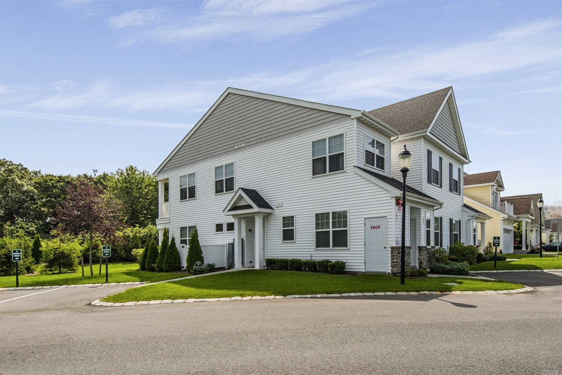 Property for sale at 193 Augusta Dr, Medford,  NY 11763