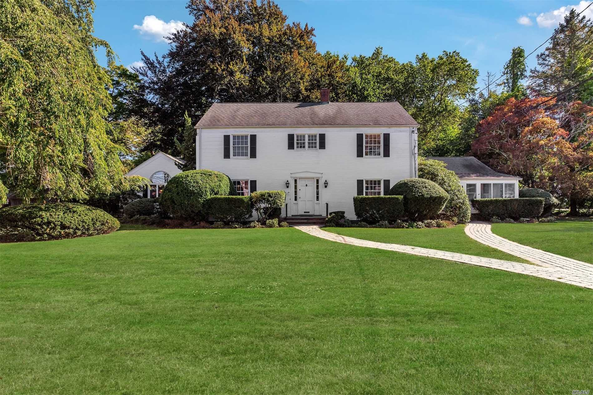 Photo of home for sale at 55000 Main Rd, Southold NY