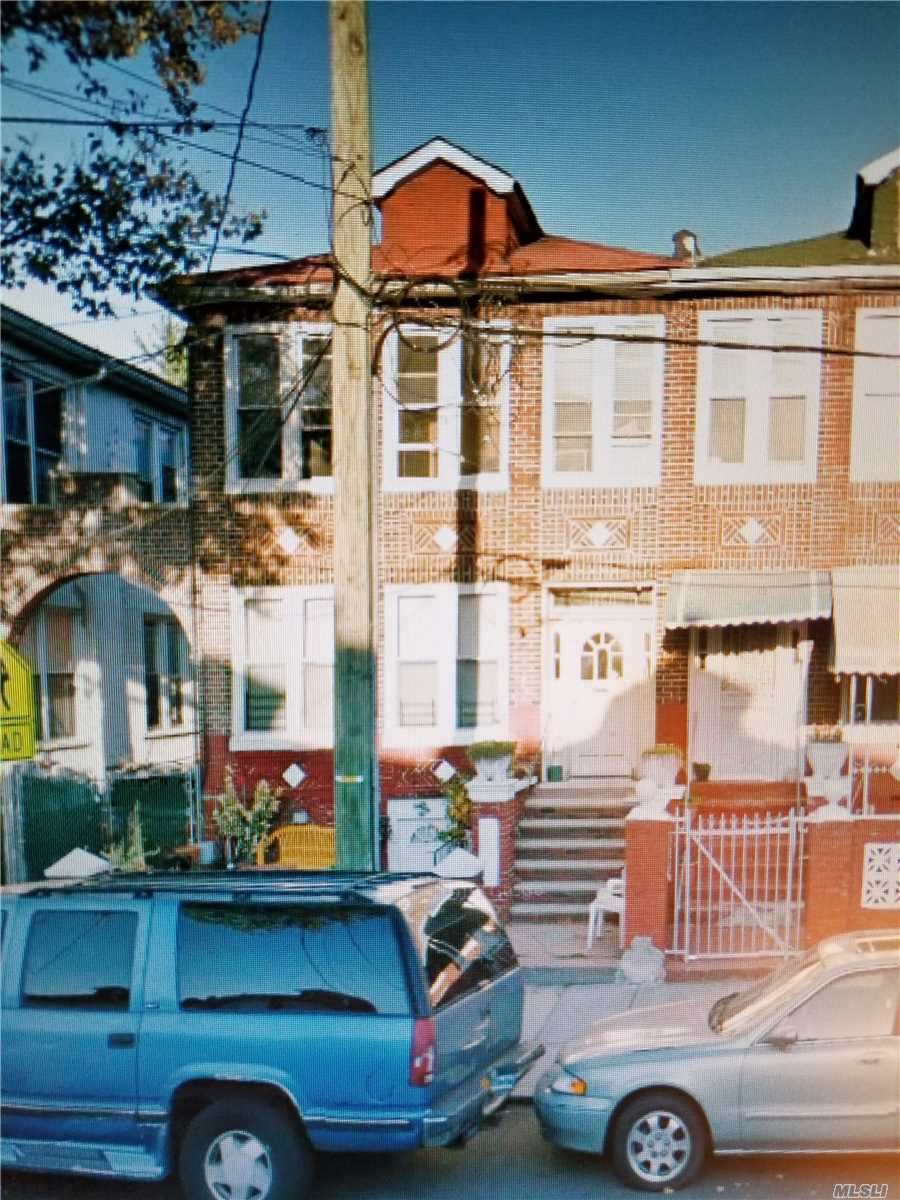 Photo of home for sale at 861 Saratoga Ave, Brooklyn NY
