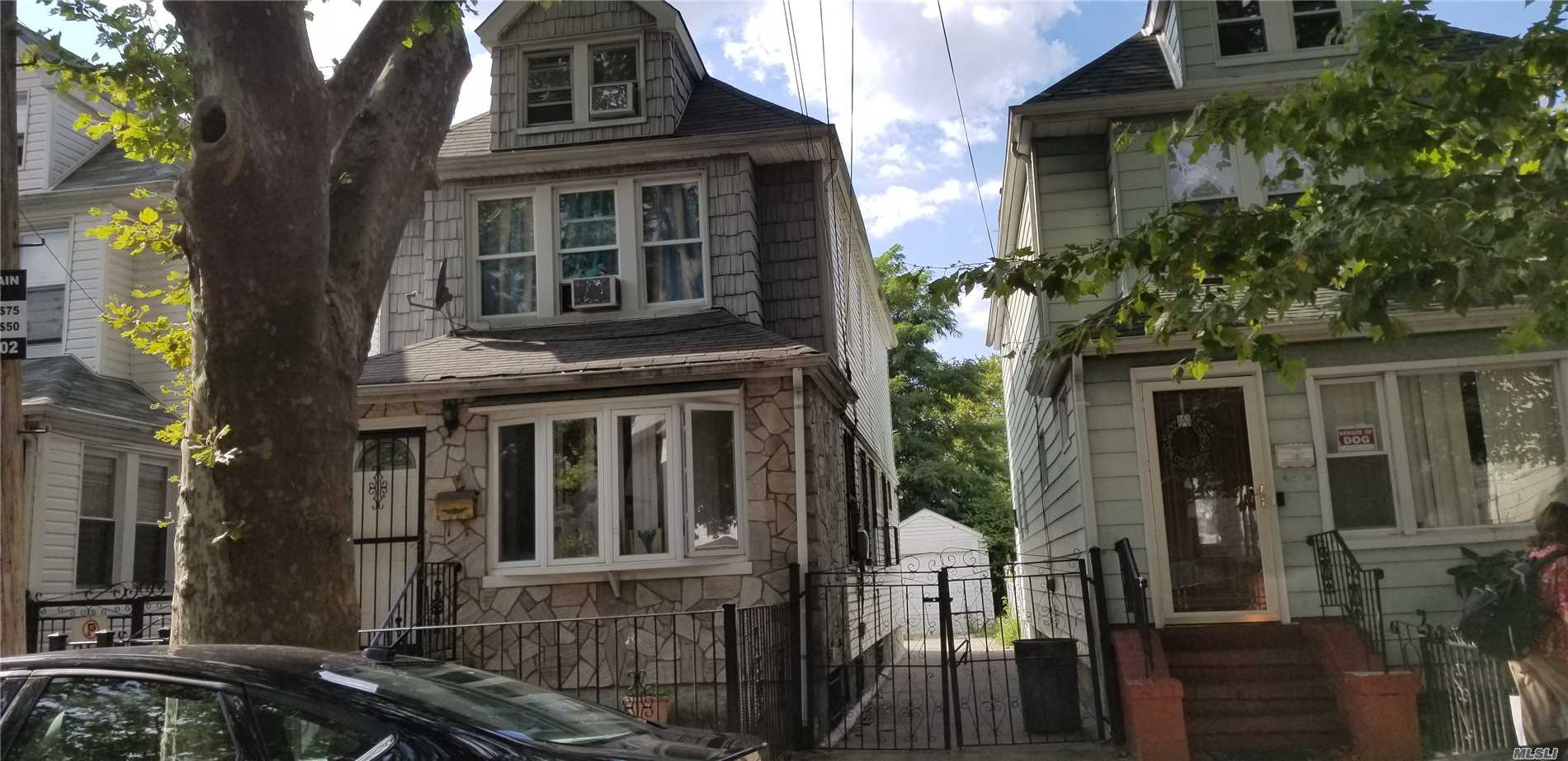Photo of home for sale at 150-29 118th Ave, Jamaica NY