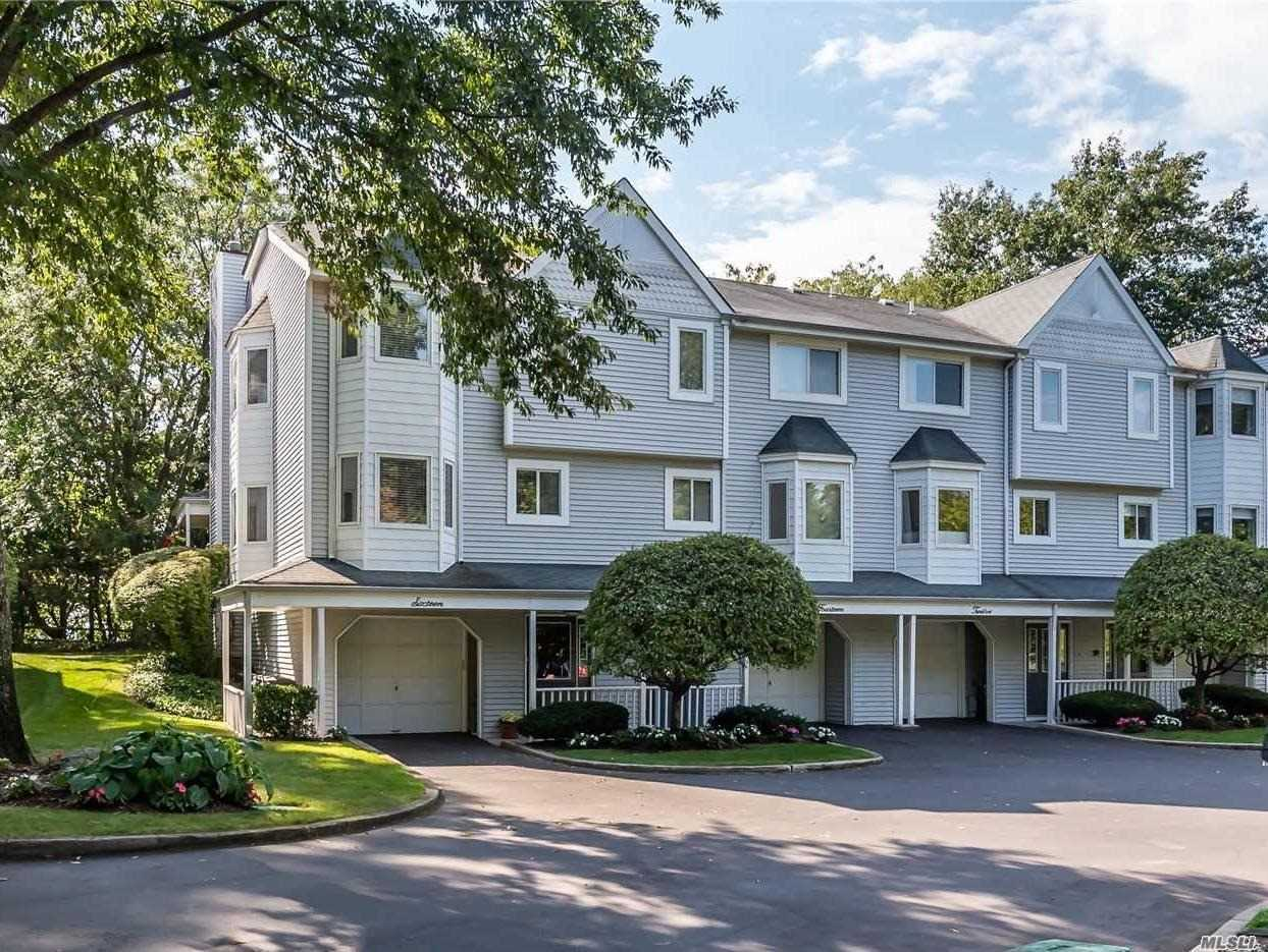 Property for sale at 16 Highland Mews, Glen Cove,  New York 11542