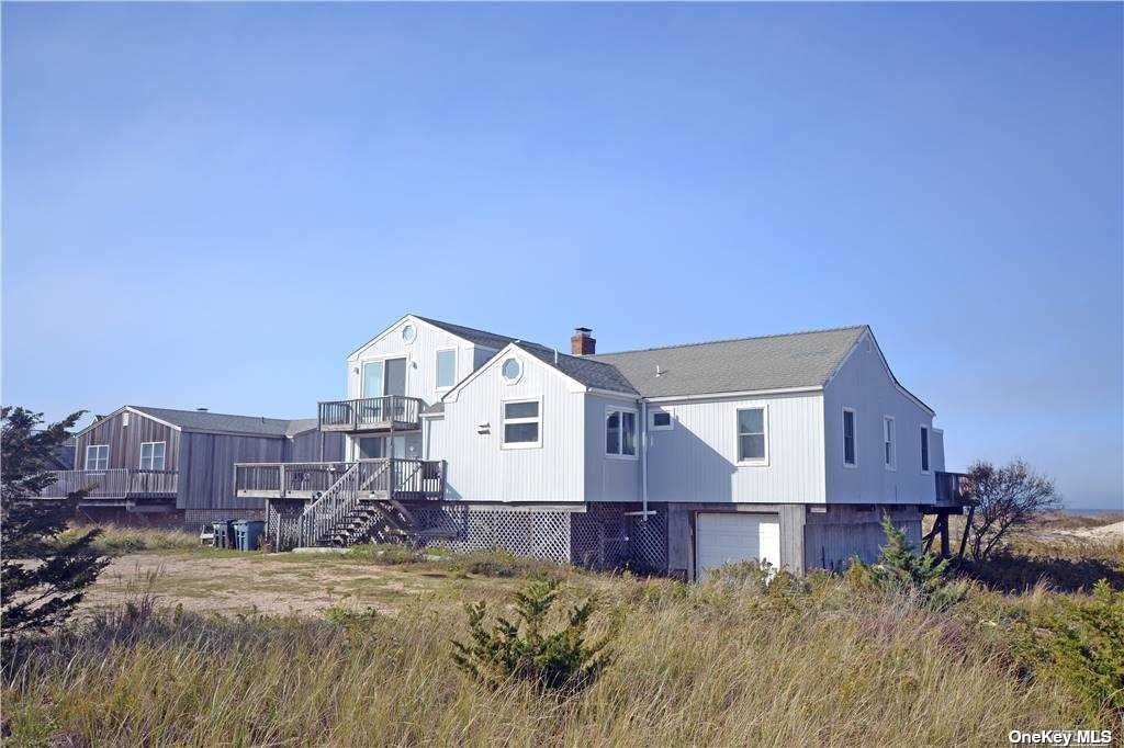 Photo of home for sale at 782 Dune Rd, Westhampton Bch NY
