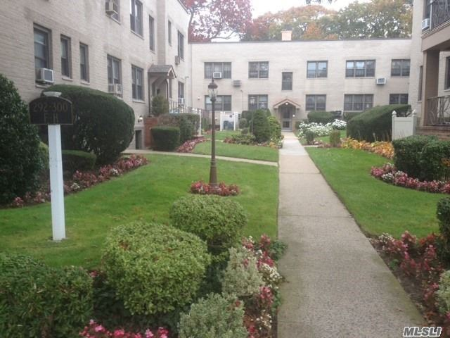 Photo of home for sale at 300 Cedarhurst Ave, Cedarhurst NY