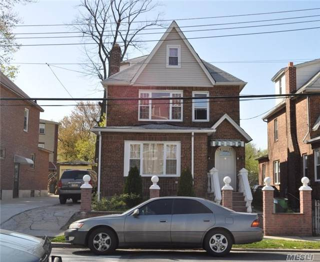 Photo of home for sale at 174-17 Polhemus Ave, Jamaica NY