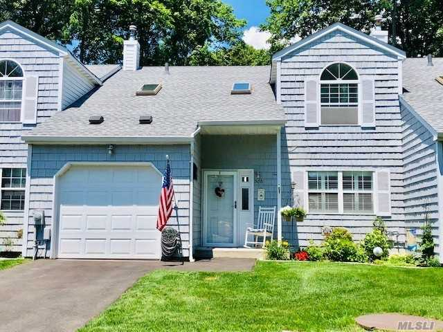 Property for sale at 3081 Union Blvd, East Islip,  New York 11730