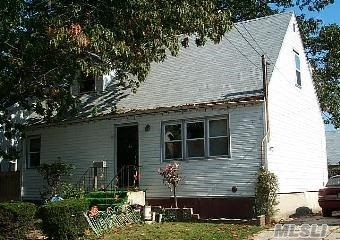 Photo of home for sale at 85 Ingraham St, Hempstead NY