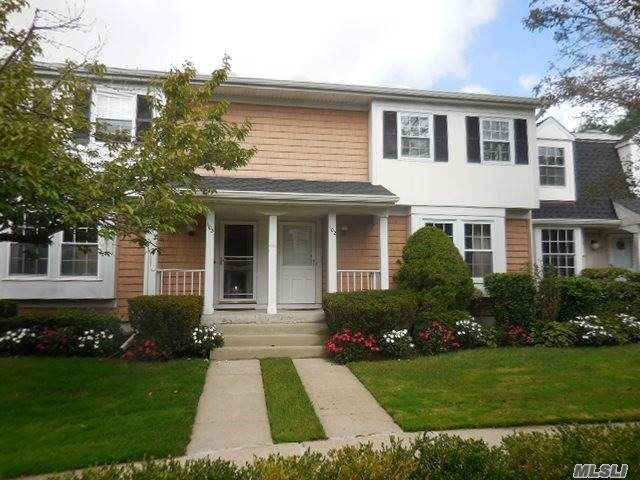Property for sale at 102 Glen Way, Syosset,  NY 11791