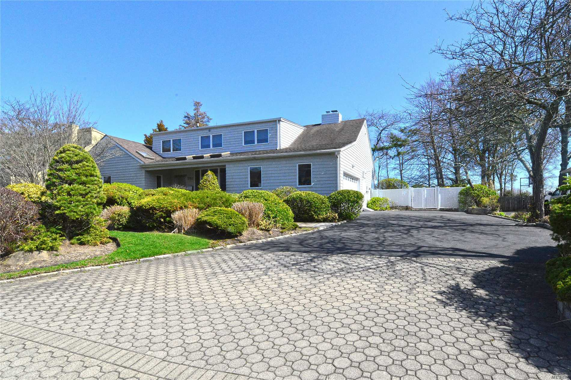 Property for sale at Hewlett Harbor,  New York 11557