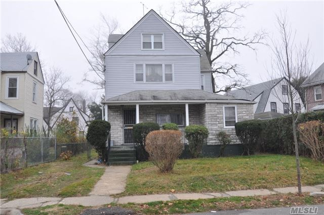 Photo of home for sale at 23-27 Healy Ave, Far Rockaway NY
