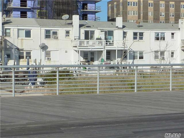 Photo of home for sale at 660/62/64 Broadway W, Long Beach NY