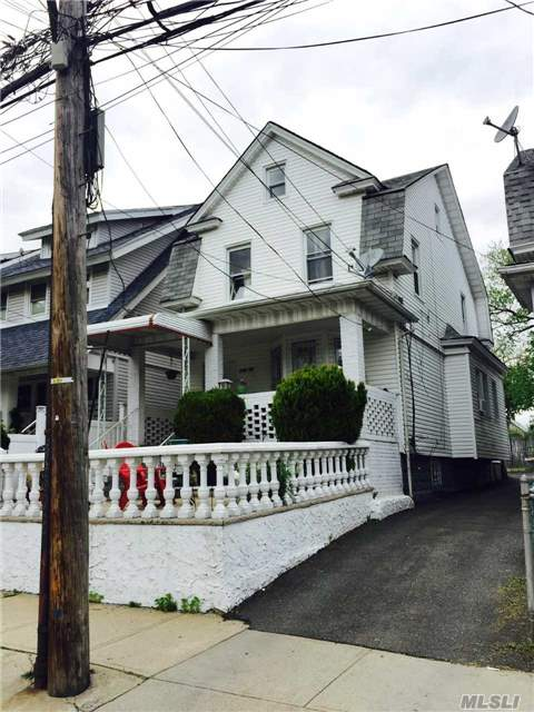 Photo of home for sale at 134-19 97 Ave, Richmond Hill NY