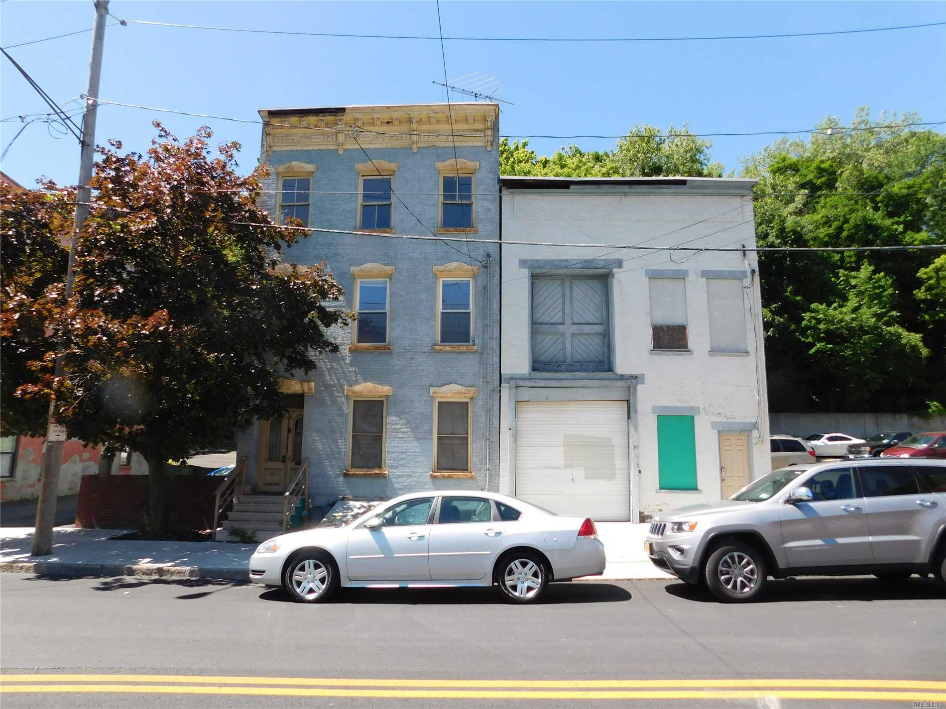 Photo of home for sale at 60/62 Sheridan Ave, Albany NY