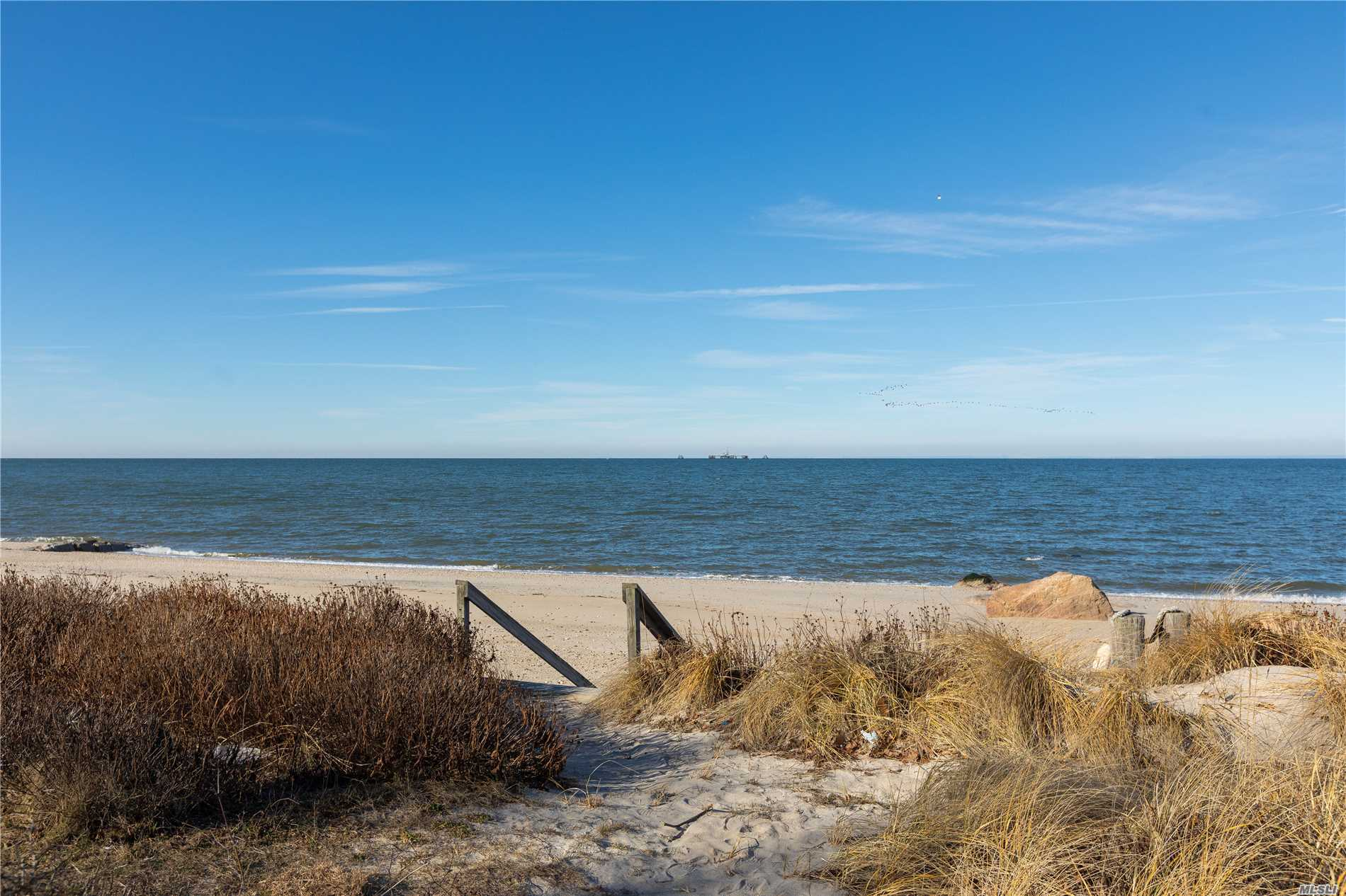 Photo of home for sale at 712 Sound Shore Rd, Jamesport NY