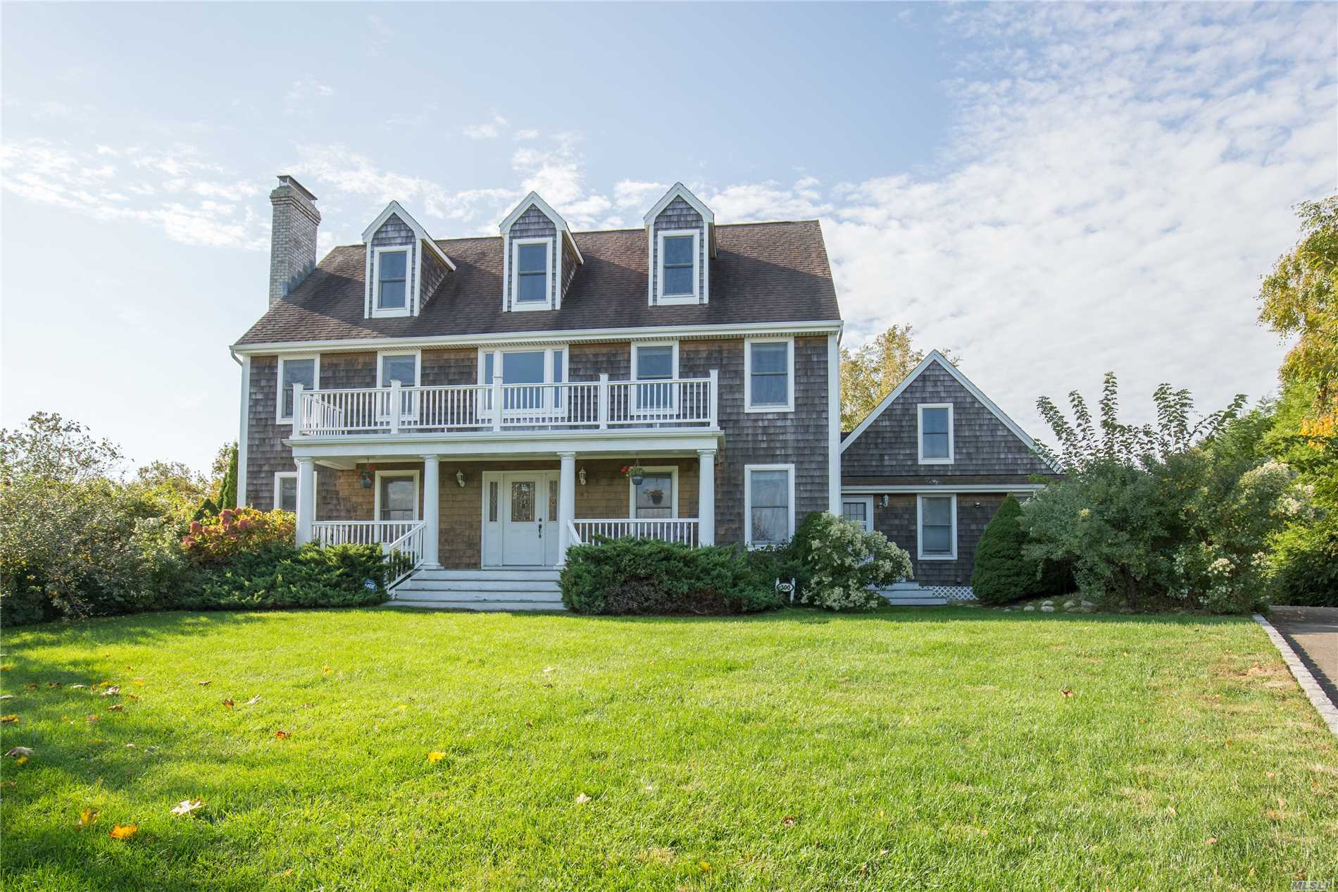 Photo of home for sale at 300 Pavillion Ct, Southold NY