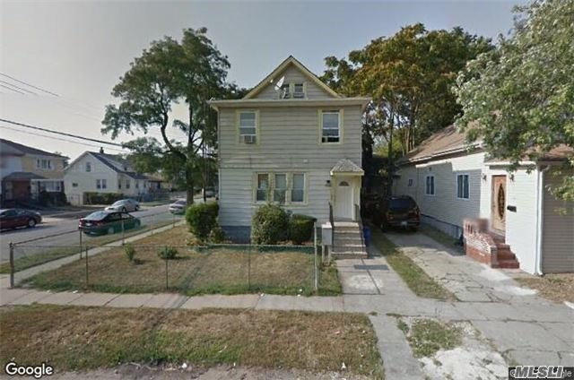 Photo of home for sale at 164-03 119th Ave, Jamaica NY