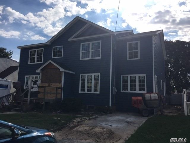 Photo of home for sale at 1854 Stone Ave W, East Meadow NY