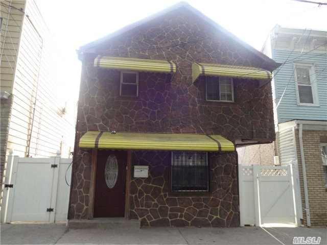 Photo of home for sale at 841 Van Duzer St, Staten Island NY