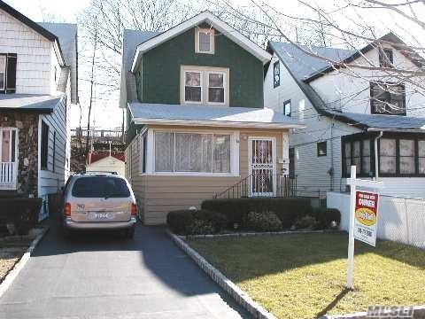 Photo of home for sale at 191-12 Woodhull Ave, Hollis NY