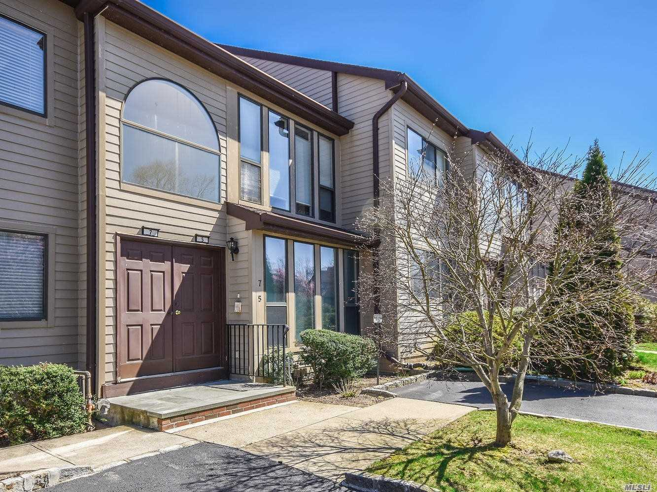 Property for sale at 5 The Circle, Glen Head,  NY 11545