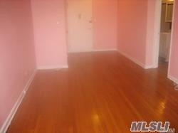 Photo of home for sale at 141-05 Pershing Cres, Briarwood NY