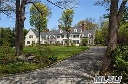 Photo of home for sale at 334 Meadow Lane, Mill Neck NY