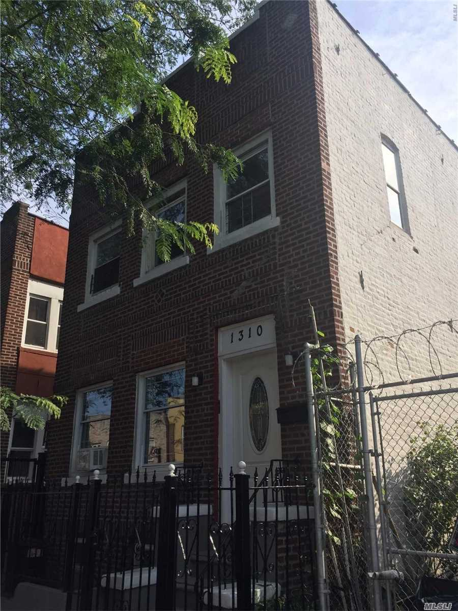 Photo of home for sale at 1310 Wheeler, Bronx River NY