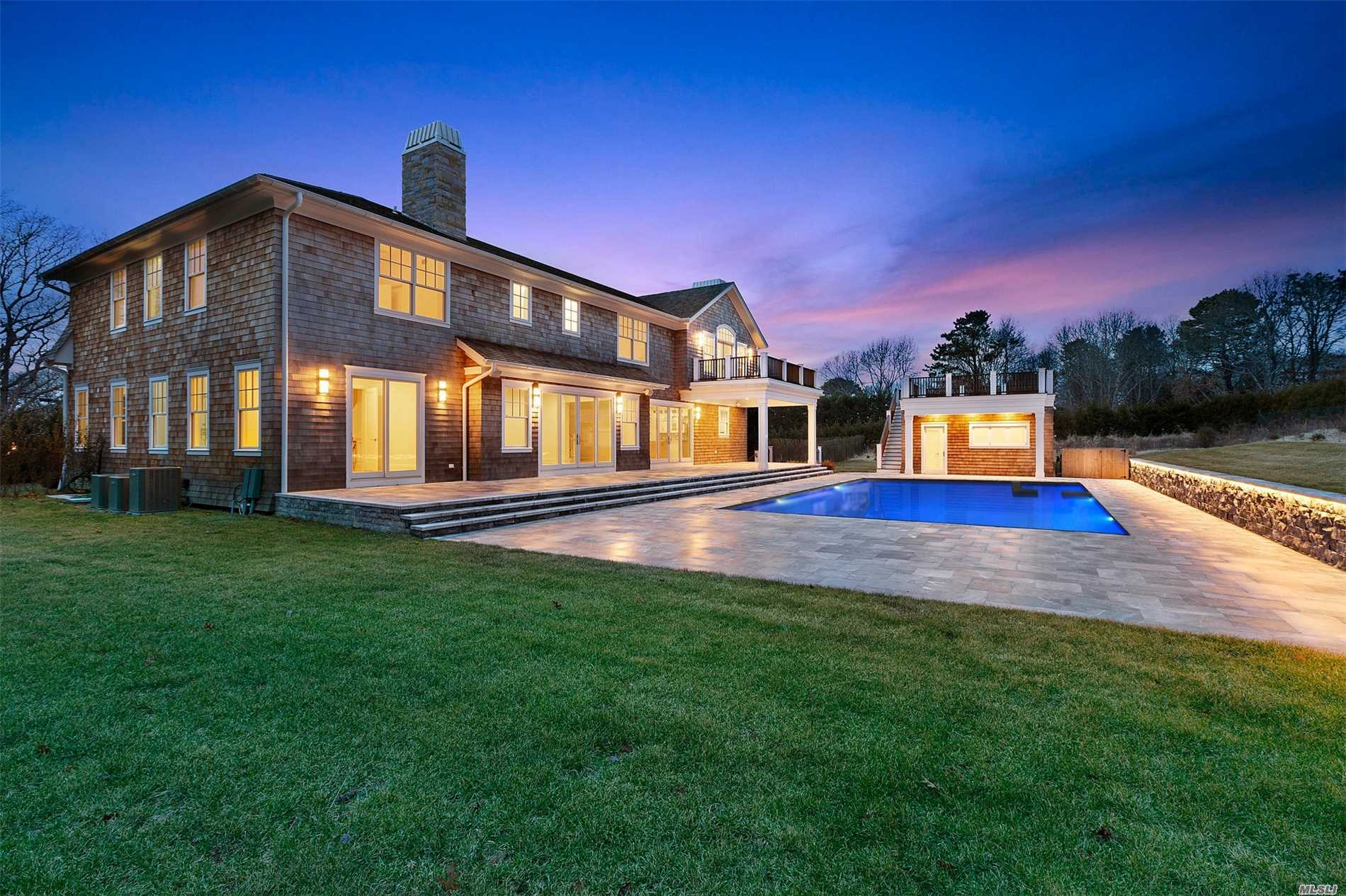 Photo of home for sale at 132 Hills Station Rd, Southampton NY