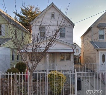 Photo of home for sale at 89-09 201st St, Hollis NY