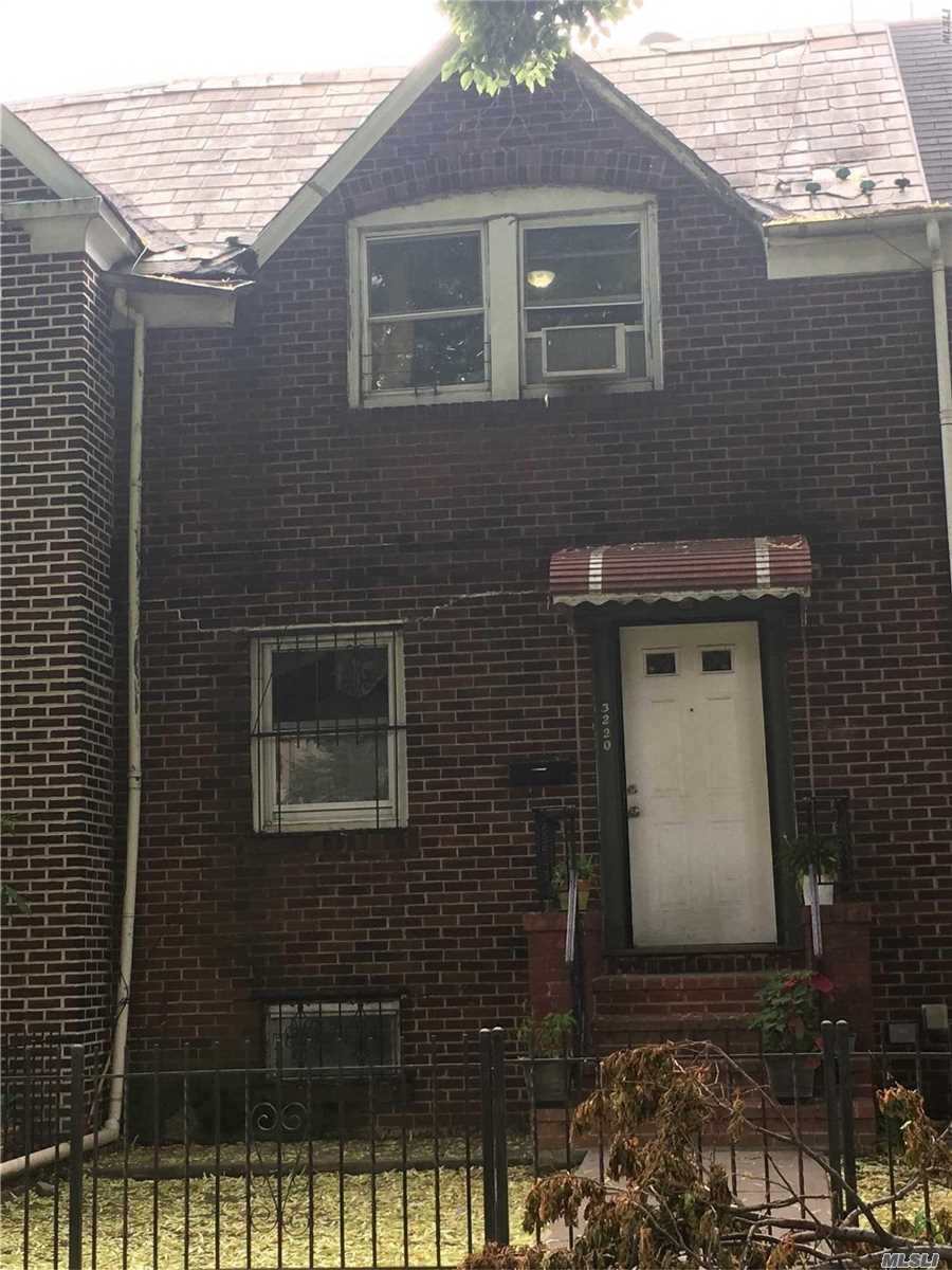 Photo of home for sale at 32-20 53rd Pl, Woodside NY