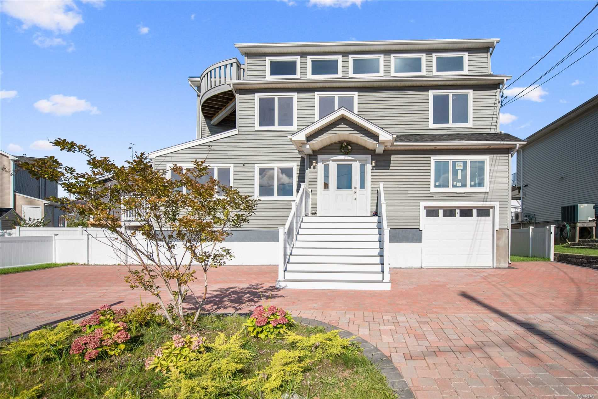 Photo of home for sale at 110 Shore Dr E, Babylon NY