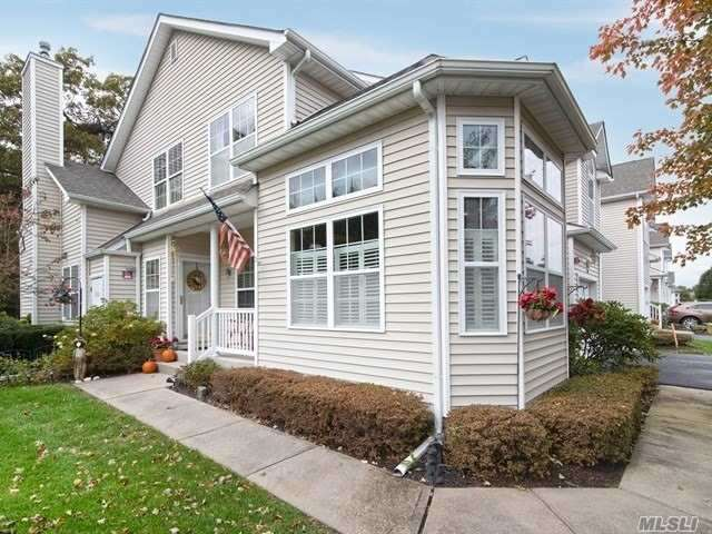 Property for sale at 148 Kettles Ln, Medford,  NY 11763