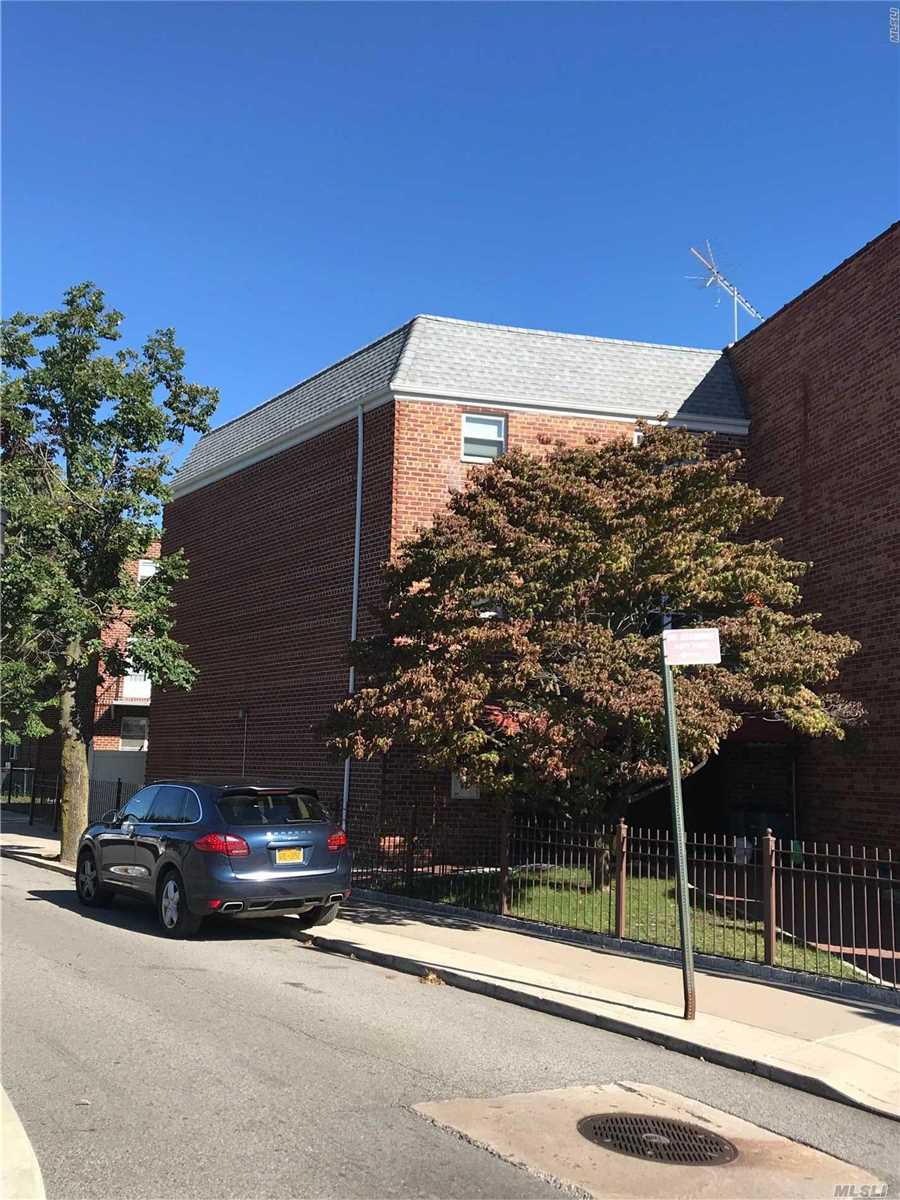 Photo of home for sale at 77-03 74 St, Glendale NY