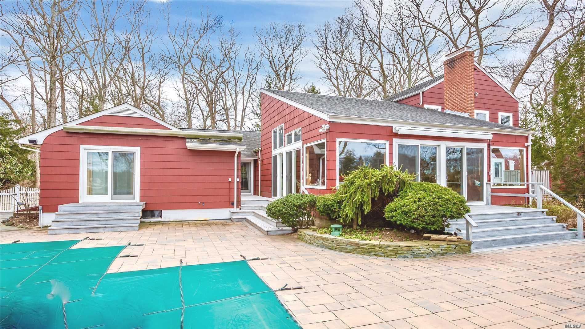Photo of home for sale at 3693 Pine Neck, Southold NY