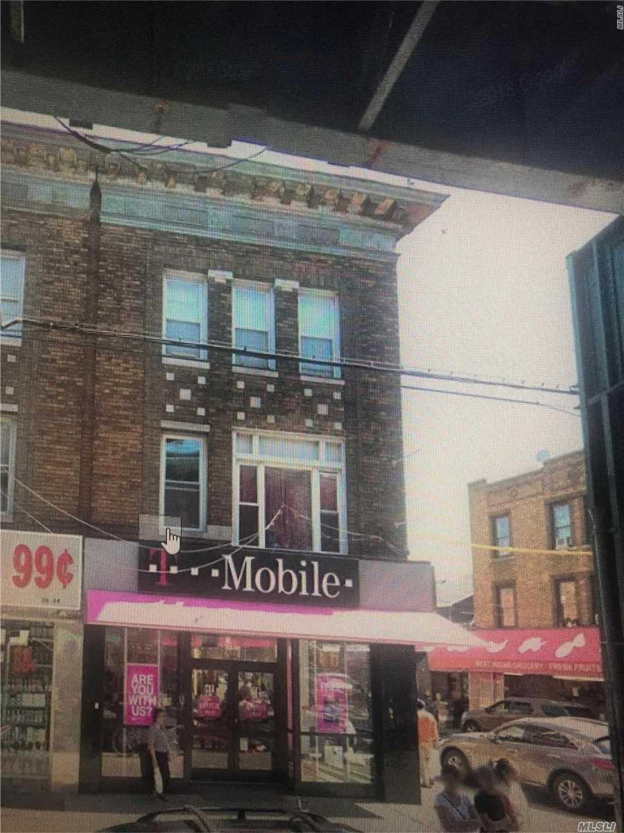 Photo of home for sale at 118-02 Liberty Ave, Richmond Hill NY