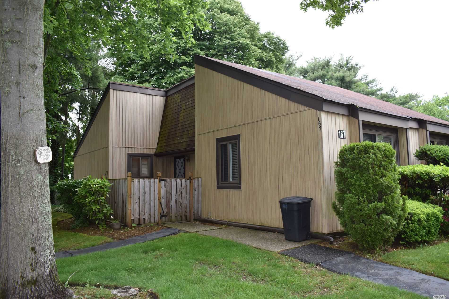 Property for sale at 167 Strathmore Gate Dr, Stony Brook,  New York 11790