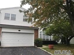 Property for sale at 7 Hamlet Dr, Commack,  NY 11725