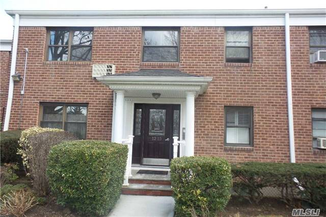 Property for sale at 1215 E Broadway, Hewlett,  NY 11557