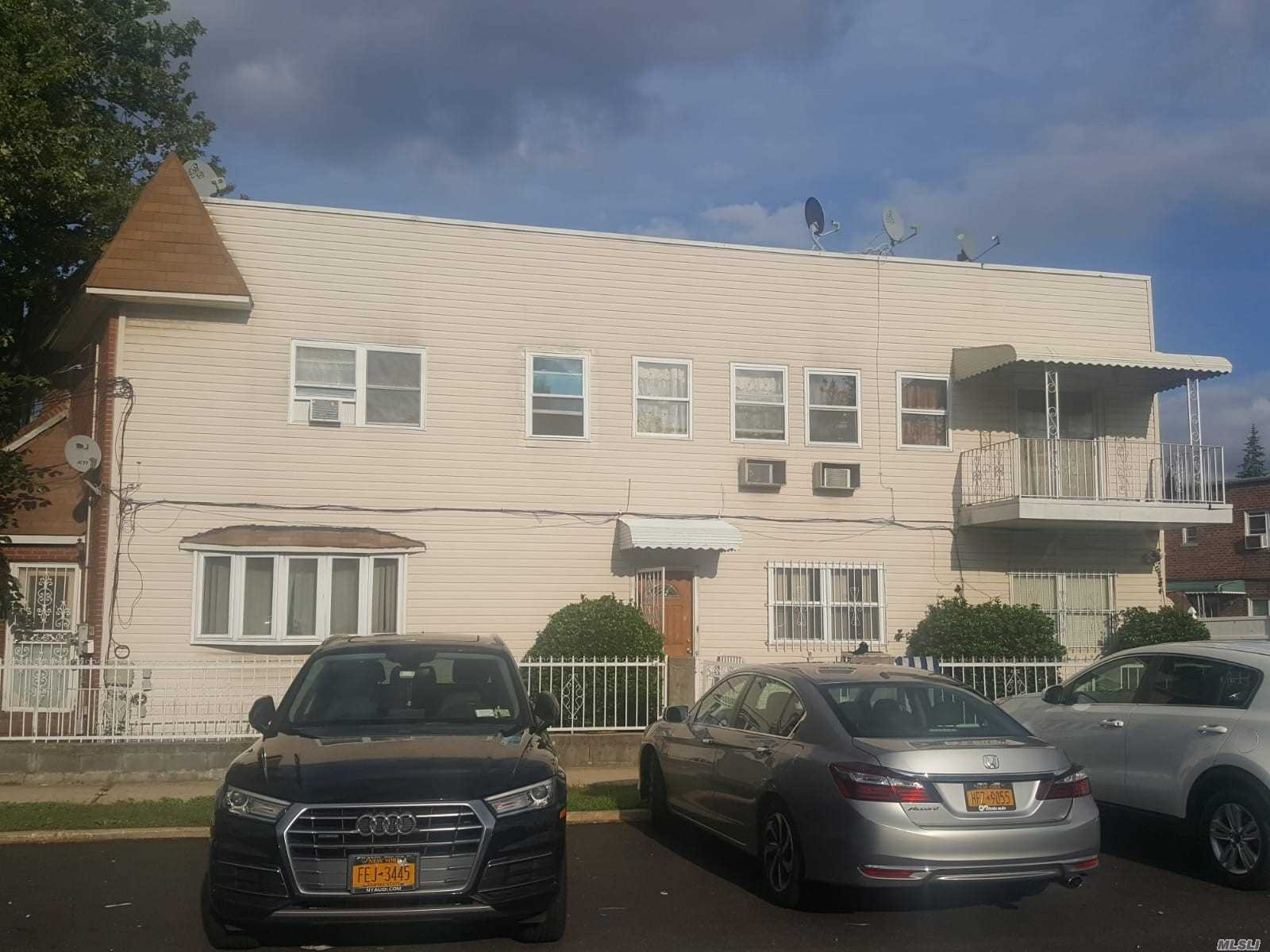 Photo of home for sale at 186-02 Foch Blvd, St. Albans NY
