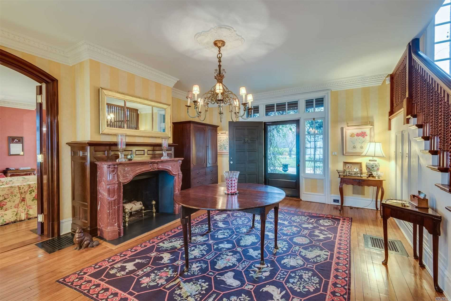 Photo of home for sale at 407 Centre Island Rd, Centre Island NY