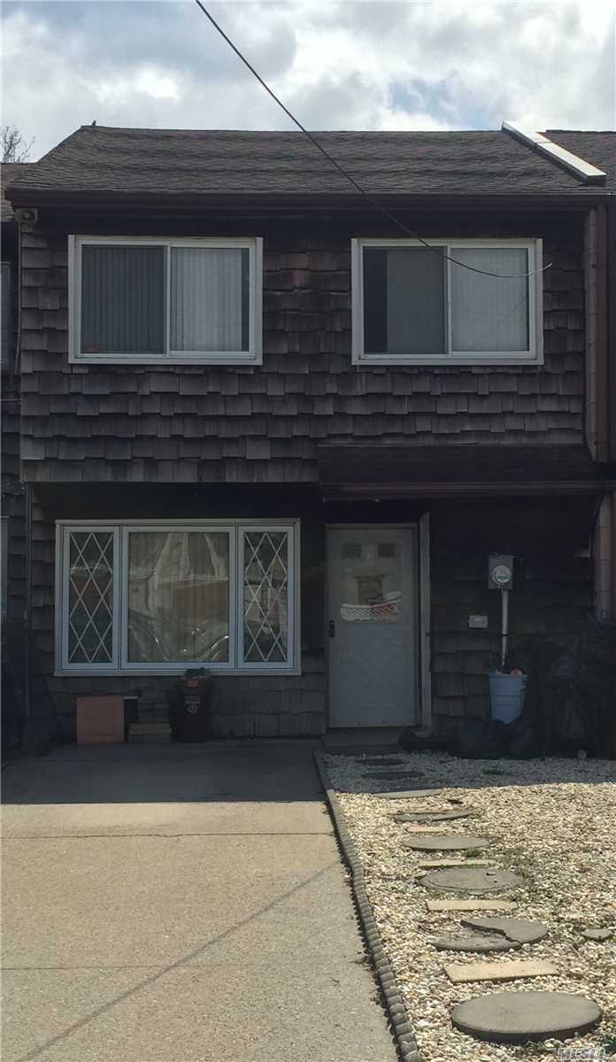 Photo of home for sale at 204 Arlington Pl, Staten Island NY