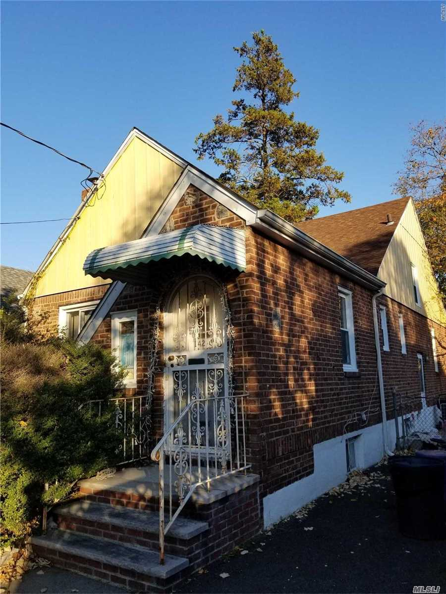 Photo of home for sale at 142-09 184th St, Springfield Gdns NY