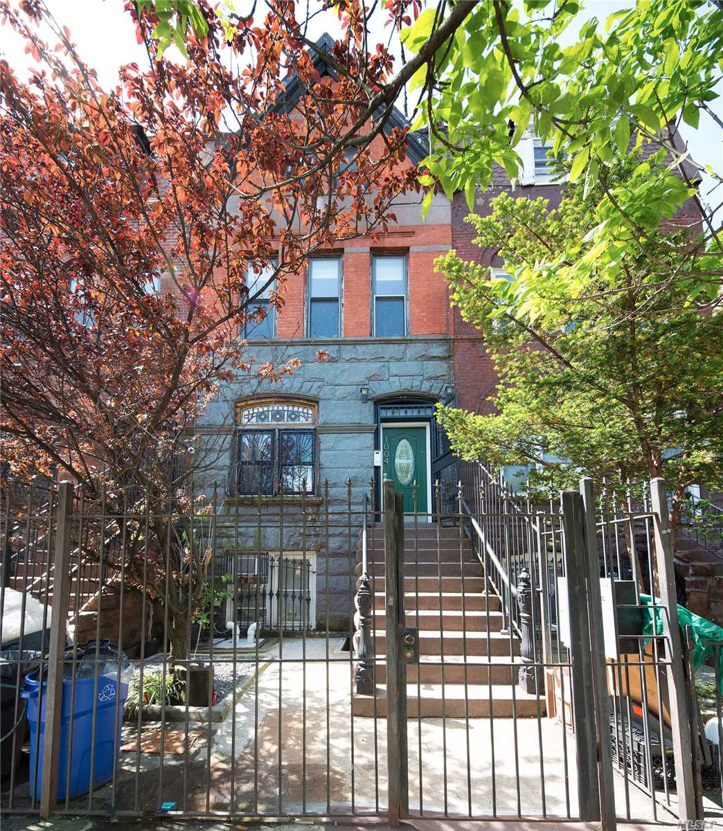 Photo of home for sale at 1004 Bergen St, Brooklyn NY