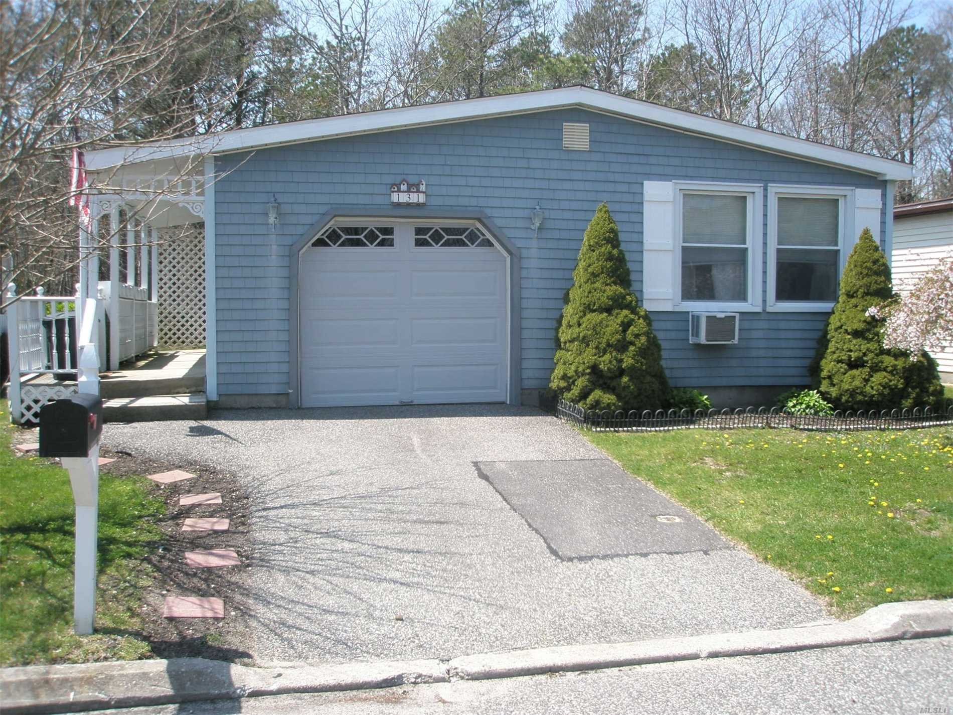 Property for sale at 131 Village Circle W, Manorville,  NY 11949