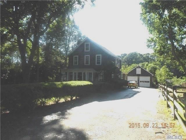 Photo of home for sale at 160 Mills Pond Rd, St. James NY