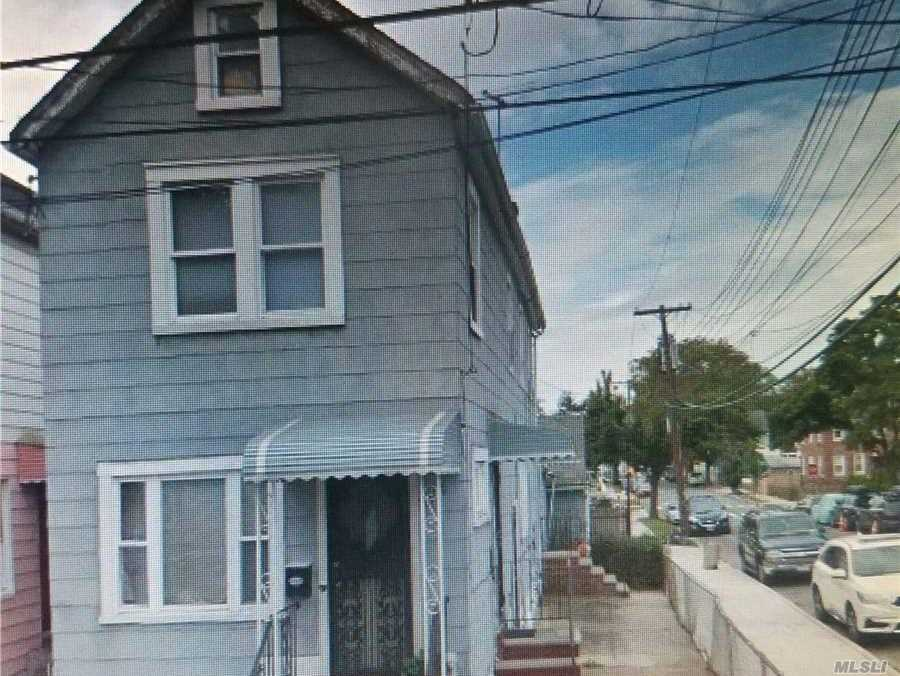 Photo of home for sale at 133-02 135th Pl, South Ozone Park NY