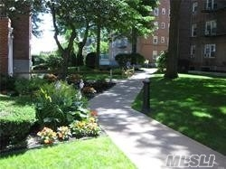 Property for sale at 32 Cathedral Ave, Hempstead,  NY 11550