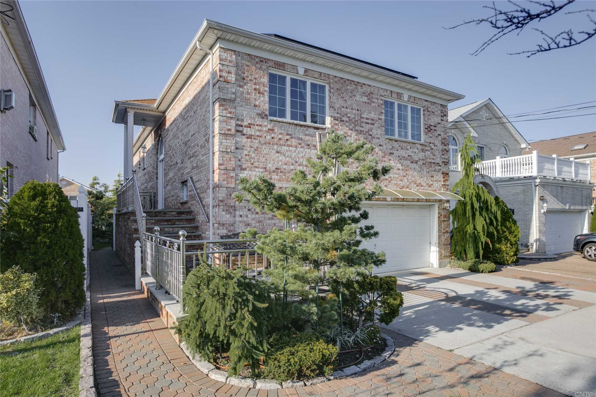 Photo of home for sale at 150-27 3rd Ave, Whitestone NY